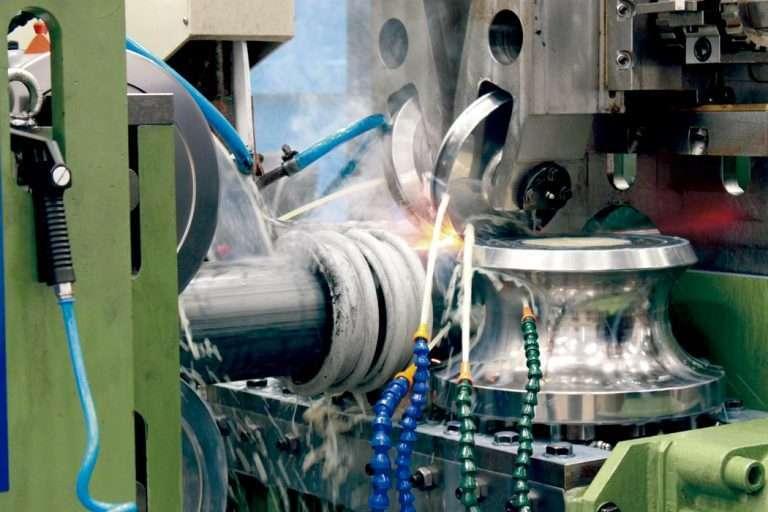 Processo de fabricação de tubos retangulares, quadrados e redondos
