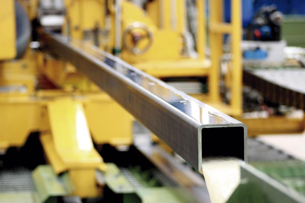 Processo de produção de tubos quadrados Golin - Corte, limpeza e lavagem
